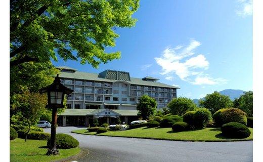 「富士ビューホテル」モデレートルーム2名様宿泊券(食事付き)