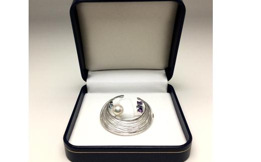 【150-09】老舗の真珠専門店・花珠アコヤ真珠ブローチ9.0~9.5ミリ 天然石*