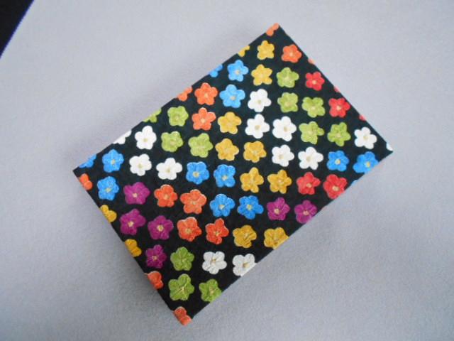 005A242 おしゃれな朱印帳(正絹着物生地使用) ポップな花柄