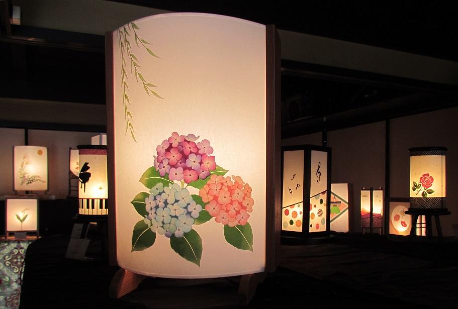 030D060 着物生地で作ったおしゃれな行灯(あんどん) 日本の文化