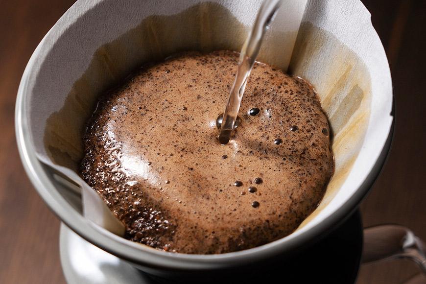 【ふるさと納税】人気料理店の≪自家焙煎≫挽き立て深煎りコーヒー「MYU BLEND」(粉) 100g
